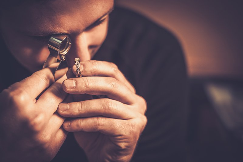 jeweler loupe is essential for jewelry design